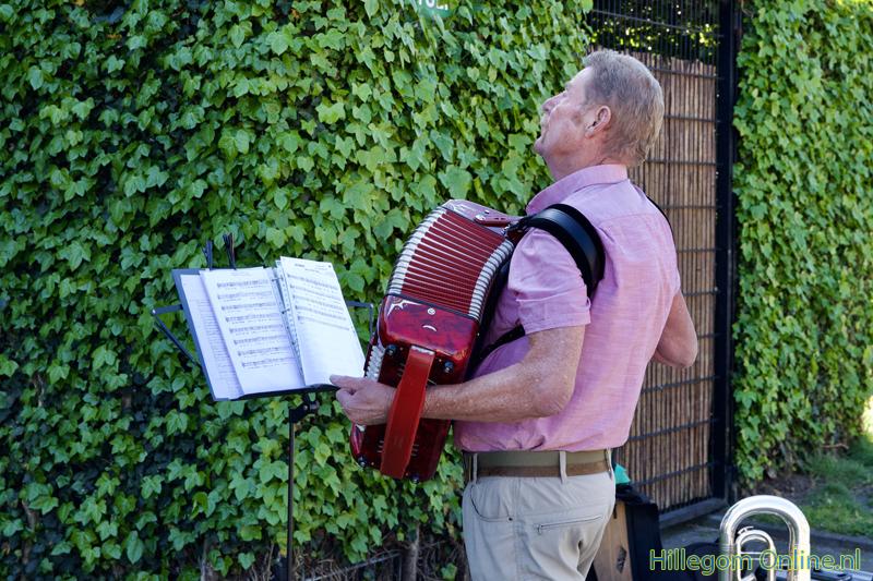 200506-serenade-voor-75-jarige-Aad-van-Schaik-Tonny-122