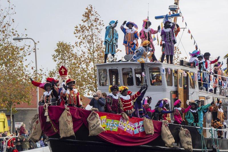 Sinterklaas groots onthaald in Hillegom