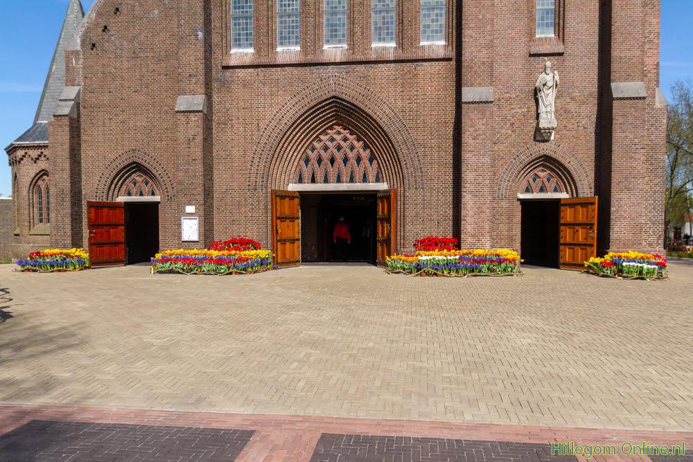 Bloemen voor de Paus in Hillegom