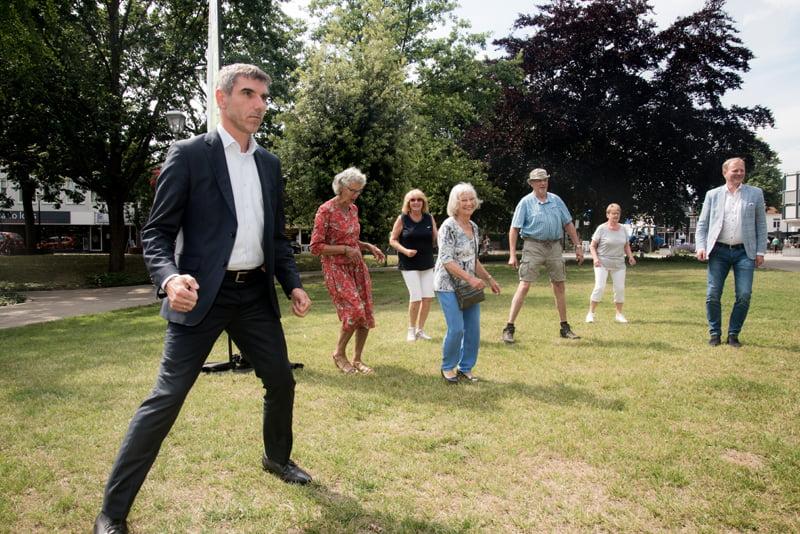 Staatssecretaris Blokhuis bezoekt Hillegom
