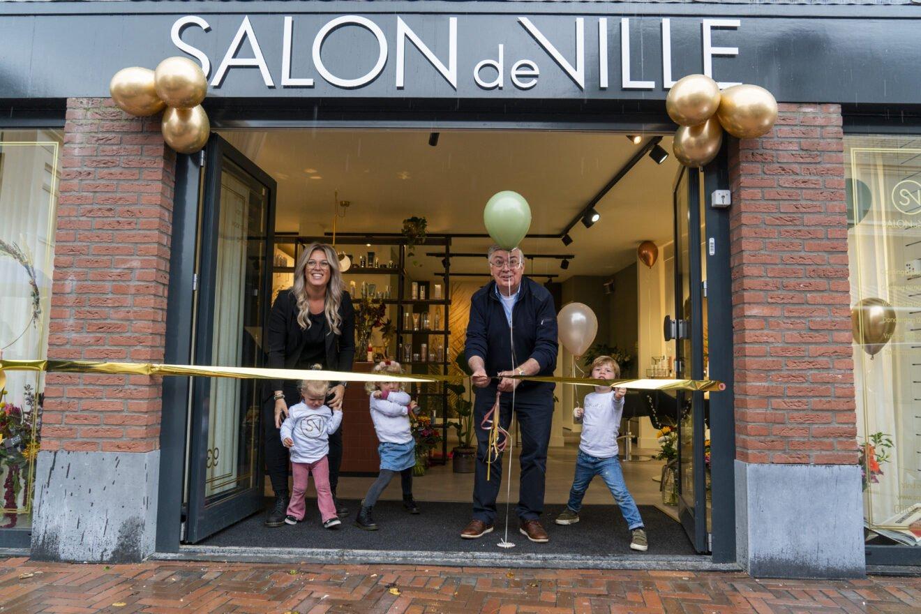 Spetterende opening Salon de Ville ondanks regen