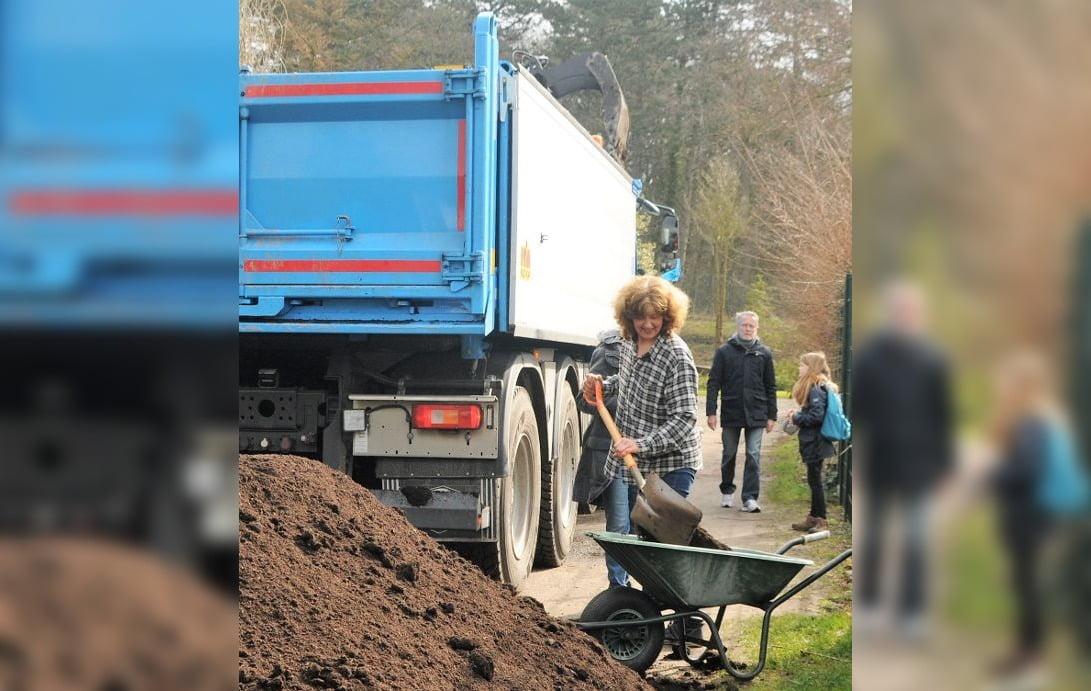 Meerlanden geeft 200.000 kilo compost cadeau aan moestuinen in hele regio