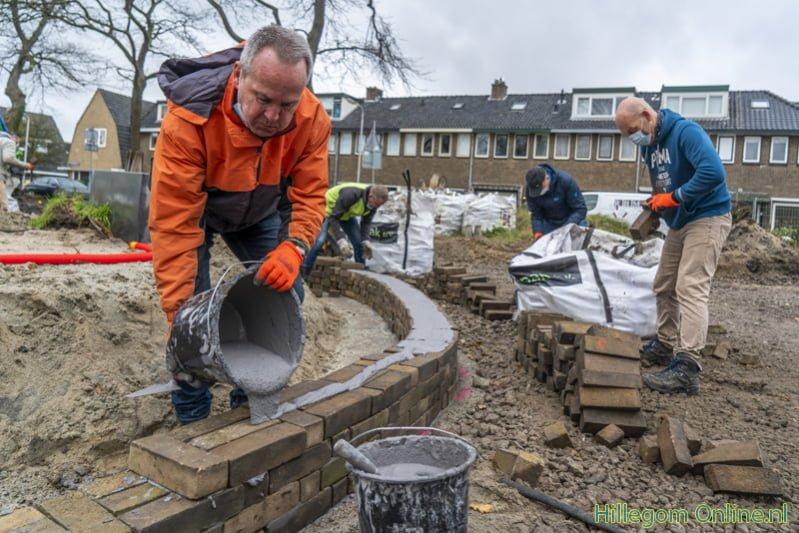 Buurt helpt mee met aanleg Julianapark