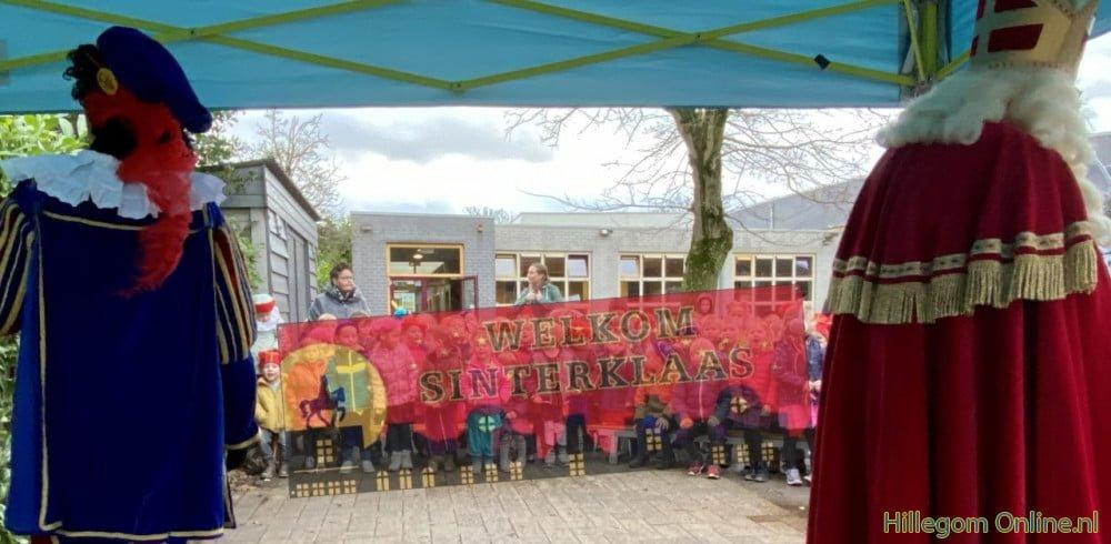 Basisscholen in Hillegom vieren Sinterklaas